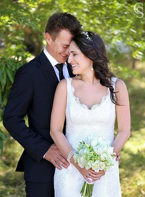 Natural makeup for beautiful bride