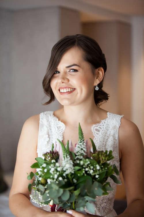 Natural light makeup for wedding day